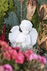 Angel, Engel, winterliche Grabgestaltung