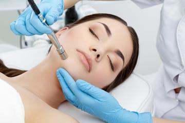 Procedure of Microdermabrasion
