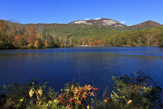 Pinnacle Lake at Table Rock State Park in Pickens, South Carolina in the fall