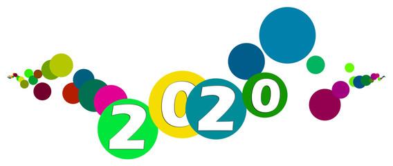 Cerchi colorati con scritta 2020 su sfondo bianco