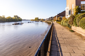 Low tide on Thames, Chiswick