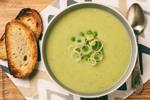 "Vegetarian cream soup with leek, potatoes and green pea."" Immagini e ..."