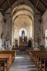 L'intérieur de l'Église Saint-Nicolas de Saint-Nicolas-de-Brem