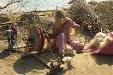 Spinning cotton, Deogarh, Rajasthan state, India, Asia