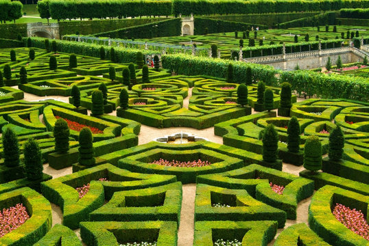 gardens chateau loire valley france
