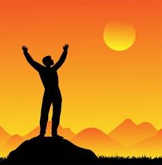 silhouette di uomo al tramonto