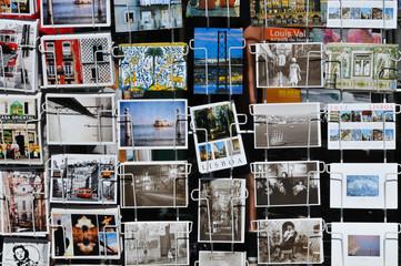 Postkarten an Kiosk in Lissabon