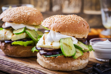 Grilled vegetable and haloumi burger with romaine lettuce, Greek style