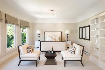 Amazing elegant Bedroom with champagne decoration.