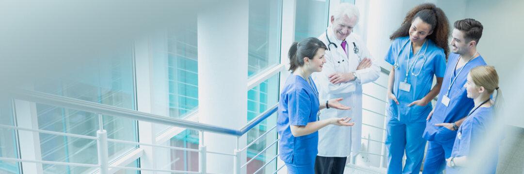 Doctors of medicine talking
