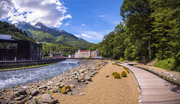 Tours and travel to Russia .Sochi is a favorite place .