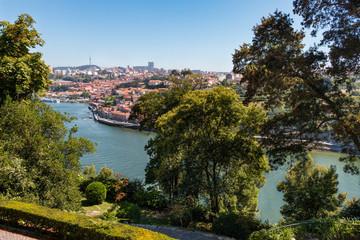 Porto vue sur la ville et le Douro depuis les jardins du palais de cristal