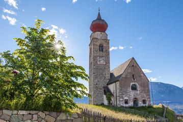 Die St. Nikolaus Kirche in Mittelberg