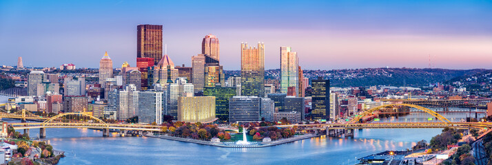 Wall Mural - Pittsburgh, Pennsylvania skyline at dusk. Located at the confluence of the Allegheny, Monongahela and Ohio rivers, Pittsburgh is also known as