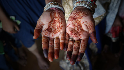 Mains ouvertes henné Mariage