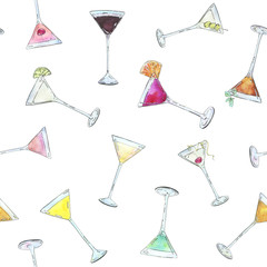 hand drawn watercolor seamless pattern with cocktails in cocktai