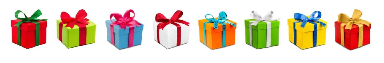 Viele bunte Geschenke vor weißem Hintergrund