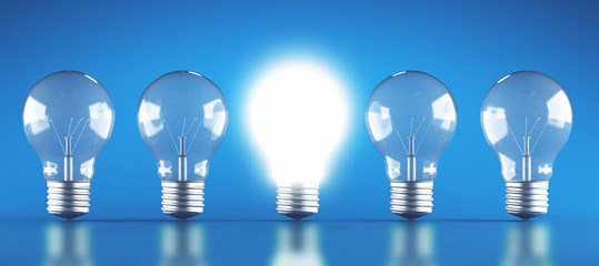 Lampadine accese e spente energia o idea render