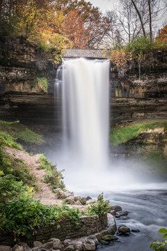Minnehaha Falls in Autumn 3