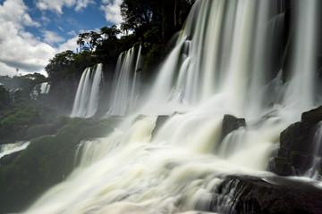 Iguazu Falls in Langzeitbelichtung
