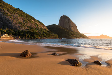 Wall Mural - Sunrise in the Beach with the Sugarloaf Mountain, Rio de Janeiro, Brazil