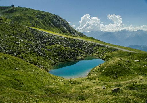 Lac bleu au col de la Madeleine