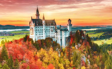 Beautiful view of the Neuschwanstein castle in autumn Neuschwanstein is a palace in Bavaria, Germany. Today Neuschwanstein is one of the most popular of all palaces and castles in Europe and world. Fototapete