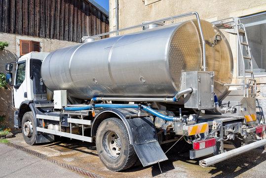 Liquid storage tank cistern truck for milk in dairy in France