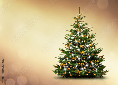 christbaum vor goldenem hintergrund stockfotos und lizenzfreie bilder auf bild. Black Bedroom Furniture Sets. Home Design Ideas