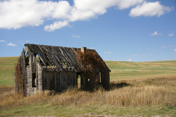 Old house near  Tieton Pass
