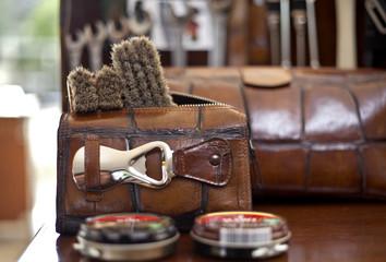 Schuhputz-Set in Leder für den Mann