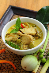 Green curry food.