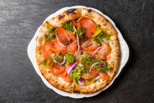 サーモンピッツア  Pizza Italian food of the salmon