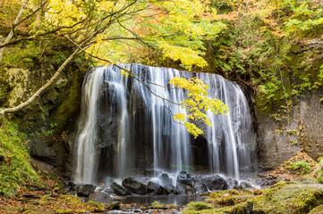 秋の逹沢不動滝(裏磐梯)