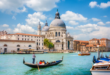 Printed kitchen splashbacks Historical buildings Gondola on Canal Grande with Basilica di Santa Maria della Salute, Venice, Italy
