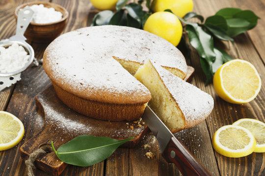 Lemon cake with sugar powder