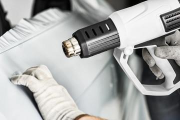 profi foliert auto mit matt grauer folie und heißluftföhn car wrapping auto folierung folieren