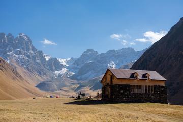 5th season hut in Sno valley