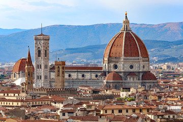 city of FLORENCE with the great dome of the Cathedral Fototapete