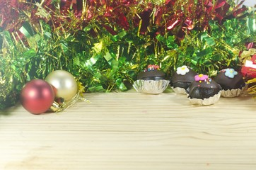 Round Christmas Balls and choccolate cake