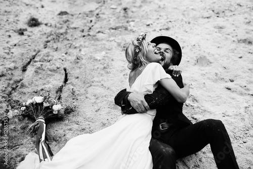 In Joyful Bride Online 25