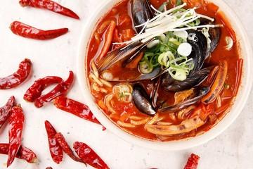 고추짬뽕, gochu jjamppong, Chinese-style noodles with vegetables and seafood
