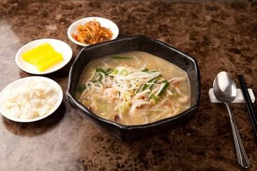사천탕면, Sacheon tangmyeon, 四川湯麺, サチョンタンミョン,  Sichuan-style Chinese Noodle Soup