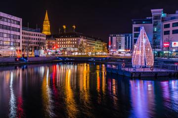 Weihnachtsstimmung in Kiel am Bootshafen