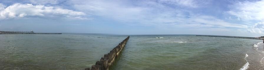 Panorama Ostsee mit Buhne