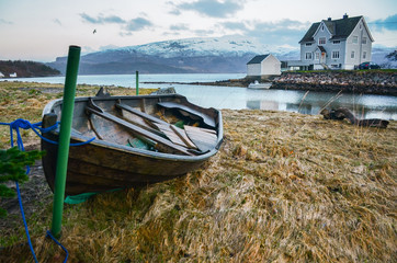 Beauty house on near by fjord in norway with the car and cabine for boat. Original wallpaper from north part of Europe