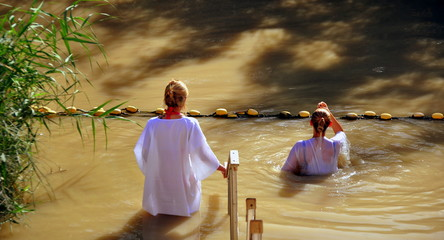 Taufe an der Taufstelle Jesu am Jordan