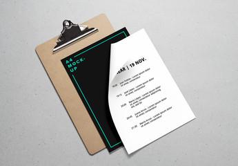 Maqueta de portapapeles y papeles A4