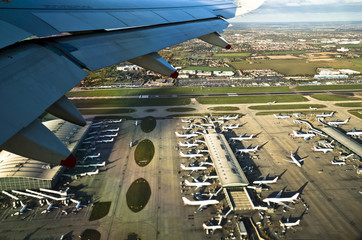 London Heathrow Airport as seen from an airplane.