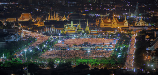 thai people sing a song with candle foe the King Bhumibol adulya